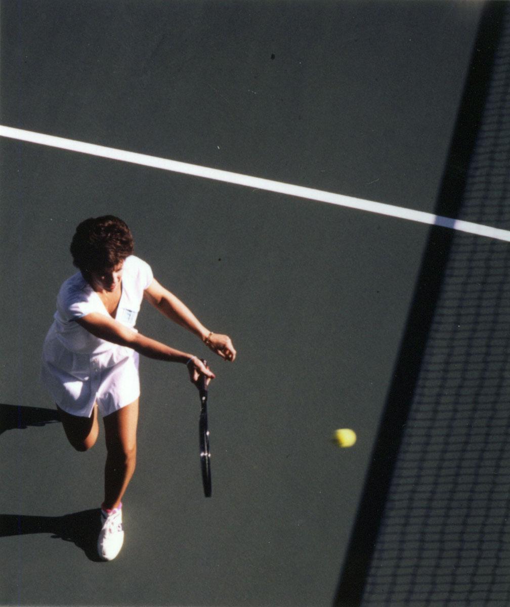 3bd83dd25b9d3246a7c7141d87aa23ca_tennisplayer